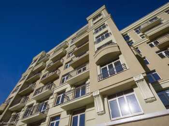 Архитектура комплекса в стиле сталинского неоклассицизма